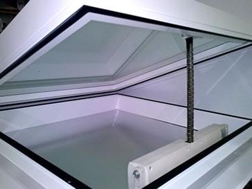claraboya con apertura electrica - indaloclaraboyas.com
